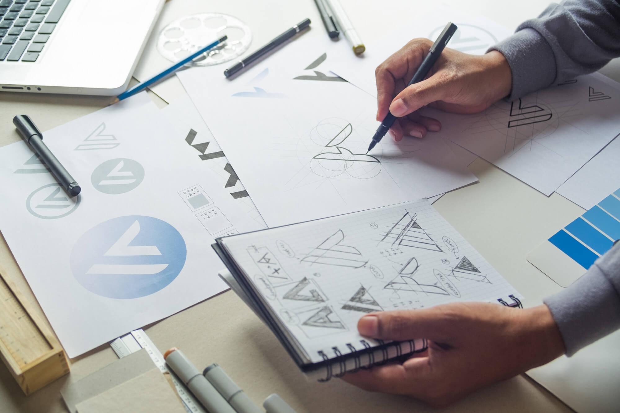 graphic-designer-sketch-design-logo (1)